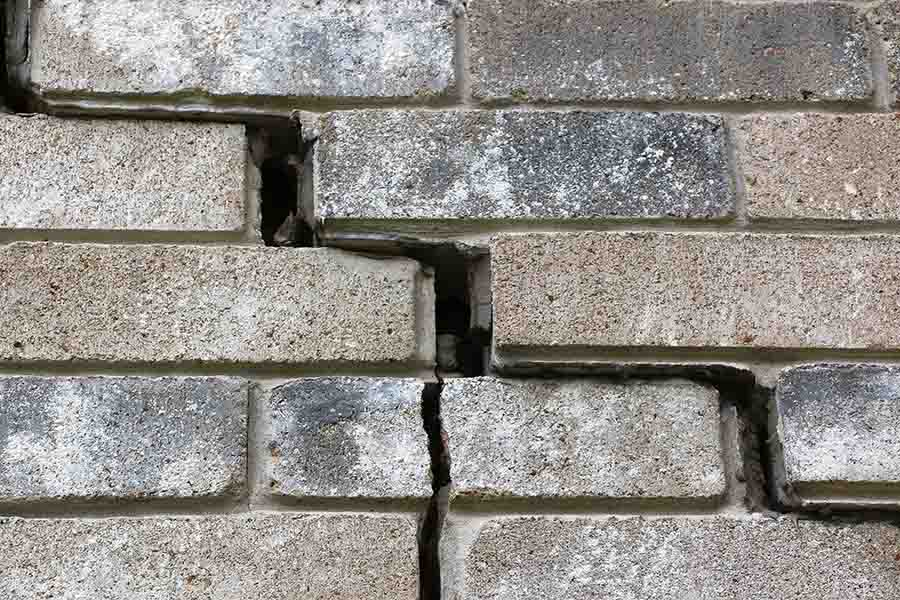 water leakage through the gaps of roof tiles